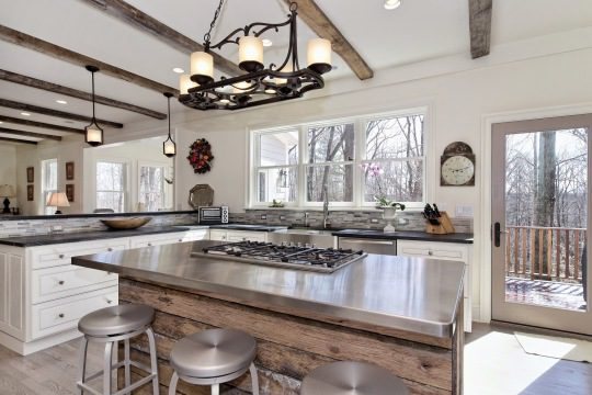 tiled-island-in-kitchen